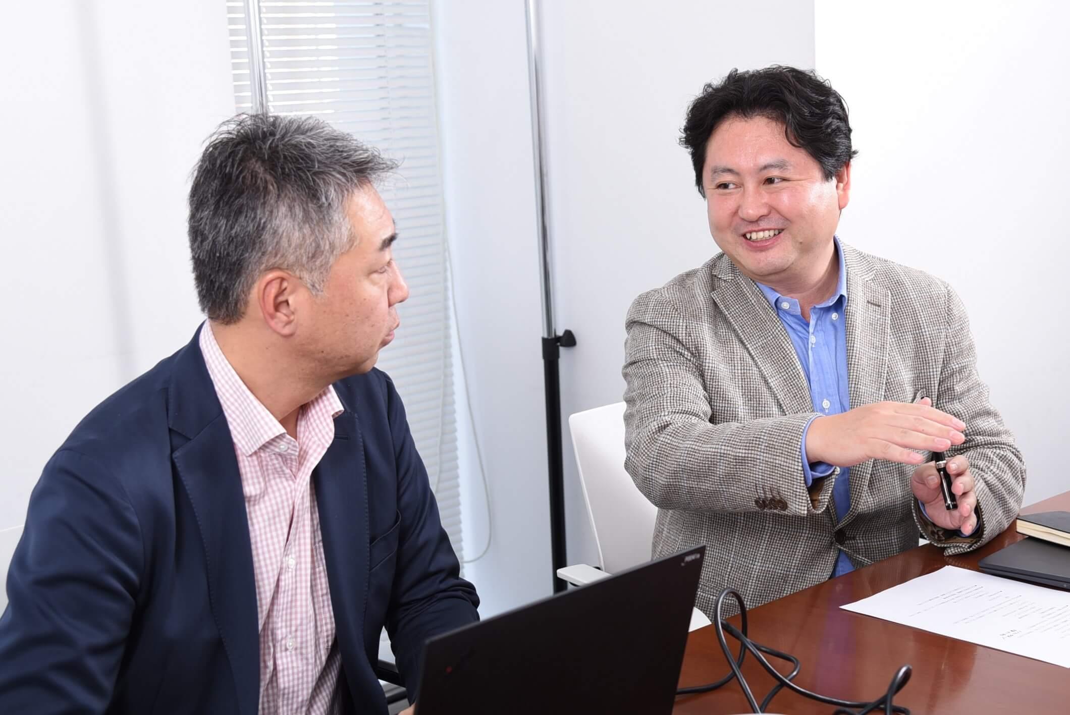 パルコ執行役 林 直孝氏とデジタルステージ代表 熊崎